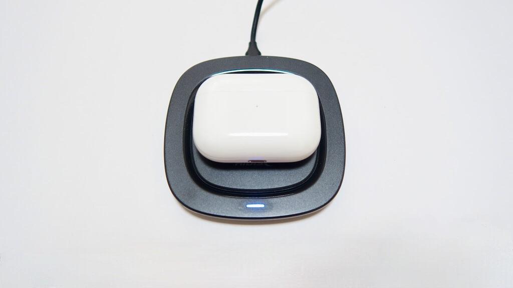 HIDISC ワイヤレス充電器 AirPods Pro充電中